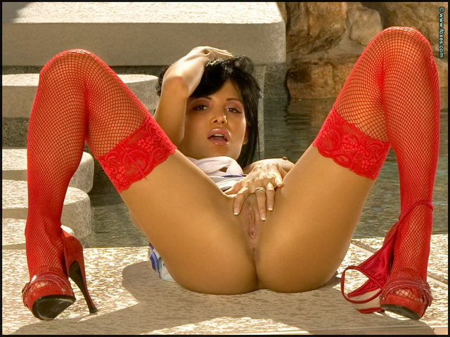 Sexy girl latina hot feet sexy soles